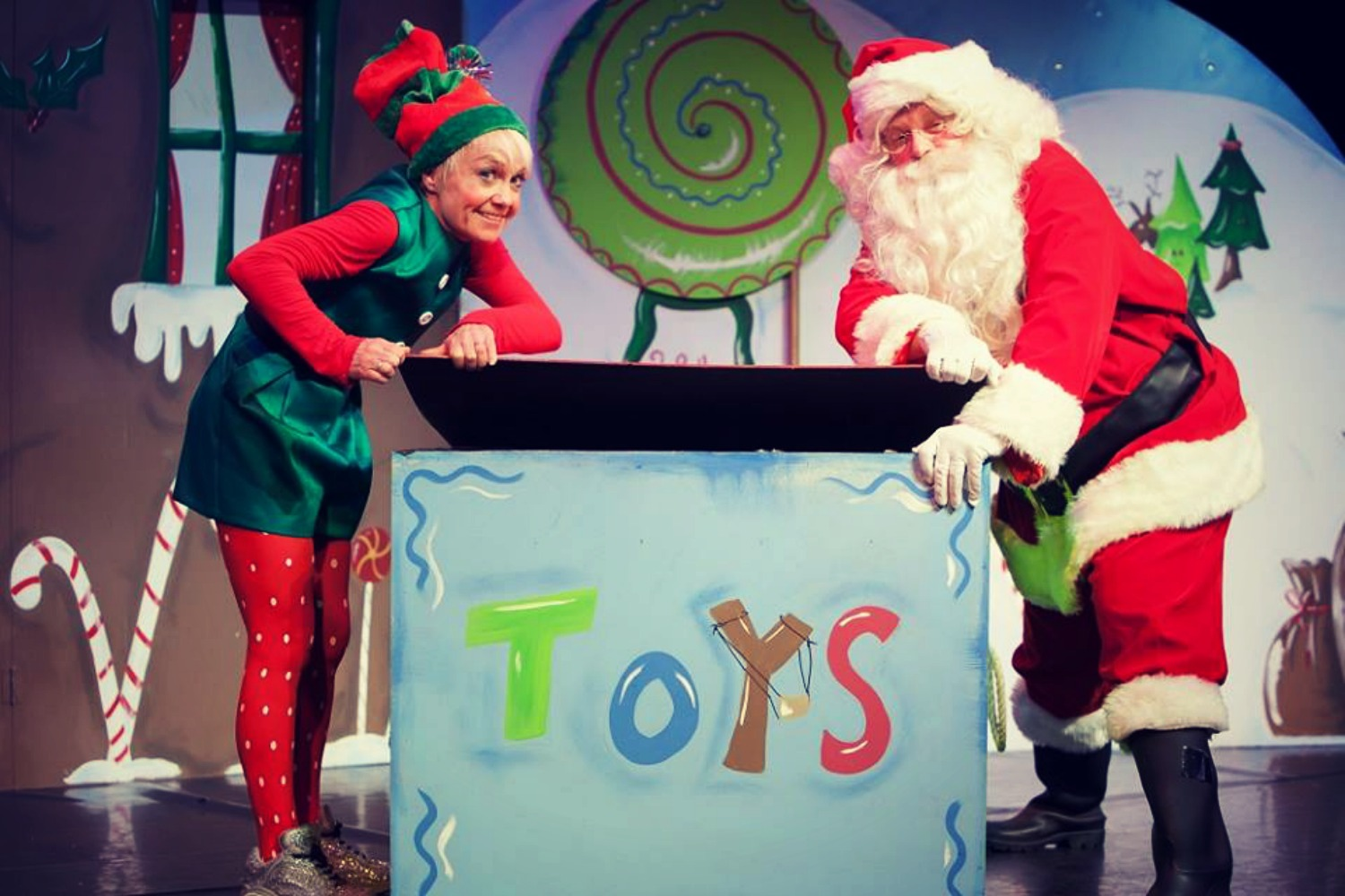 THE SANTA SHOW – A SHOW, PARTY AND GROTTO ALL IN ONE!