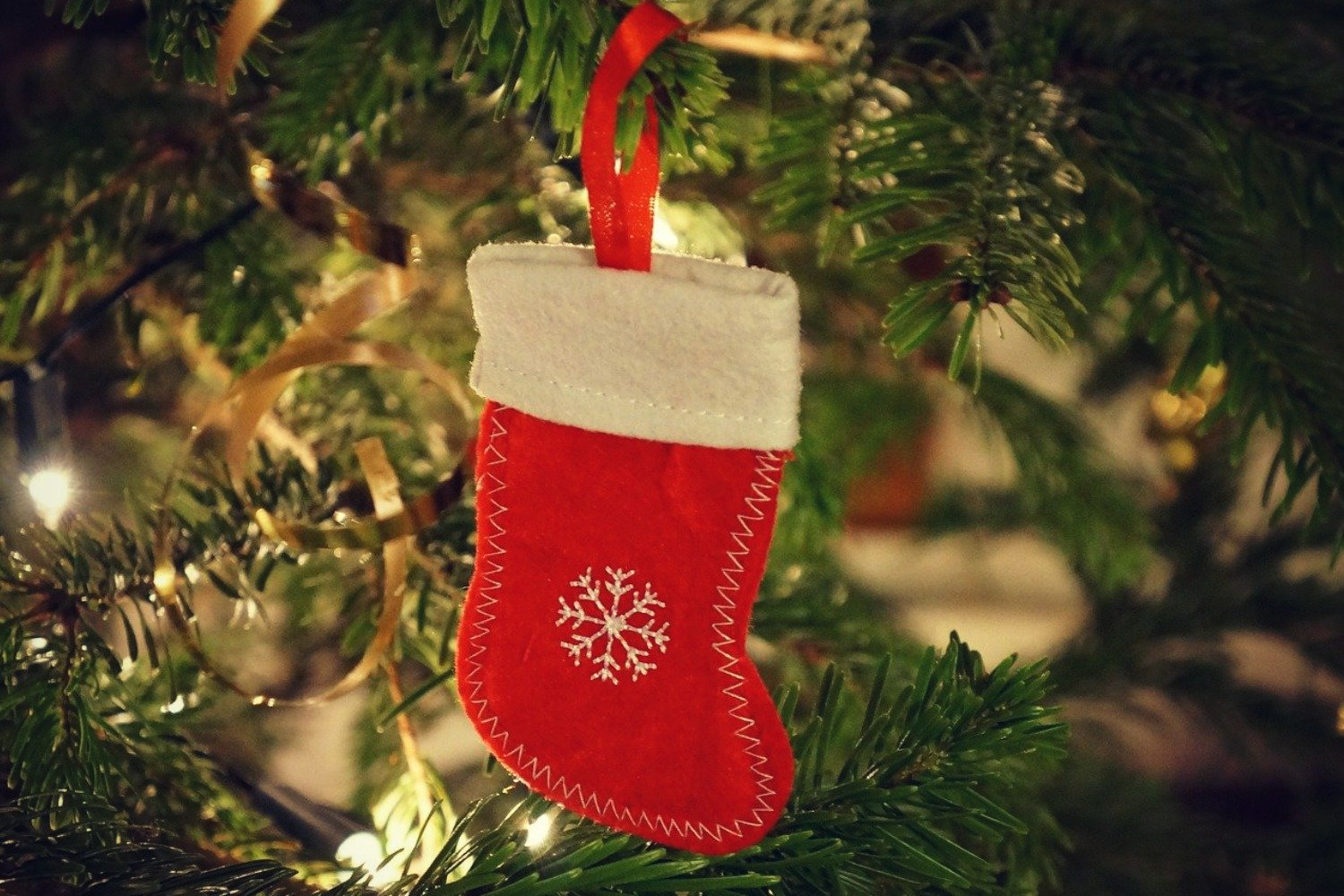 SUPER CHRISTMAS STOCKING IDEAS FOR KIDS AND TEENS