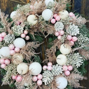 BBL Design – Christmas Wreaths / Table Displays