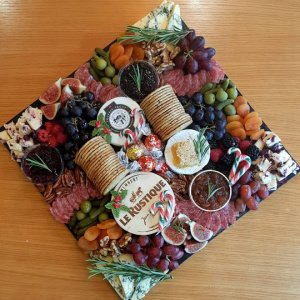 CHEESE AND CHEERS – FESTIVE PLATTERS & VOUCHERS