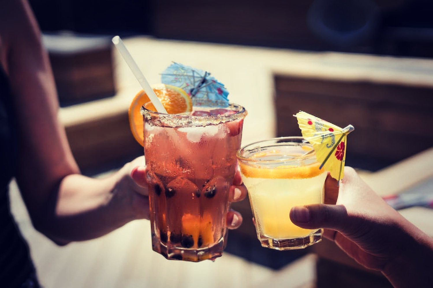 5 COCKTAIL BARS TO VISIT THIS SUMMER…