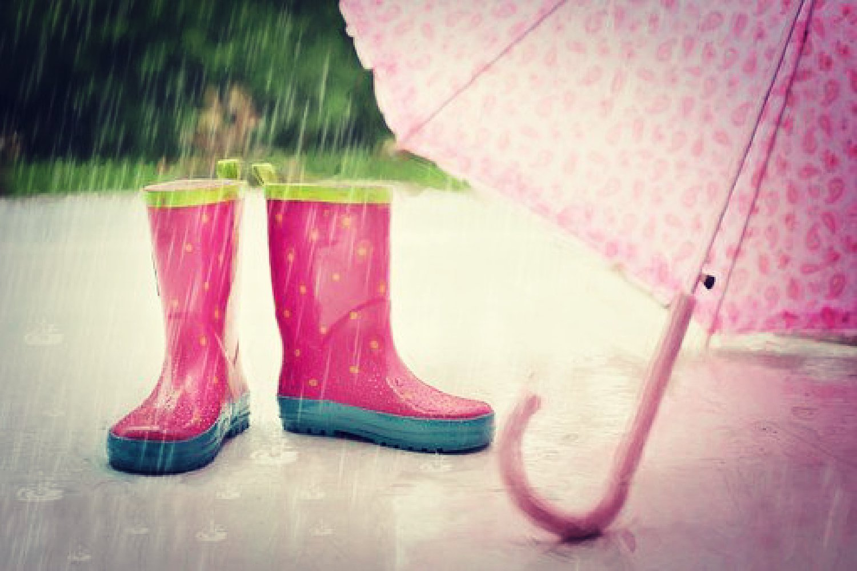 IT'S RAINING IT'S RAINING – SUMMER HOLIDAY ACTIVITIES TO GET YOU THROUGH..